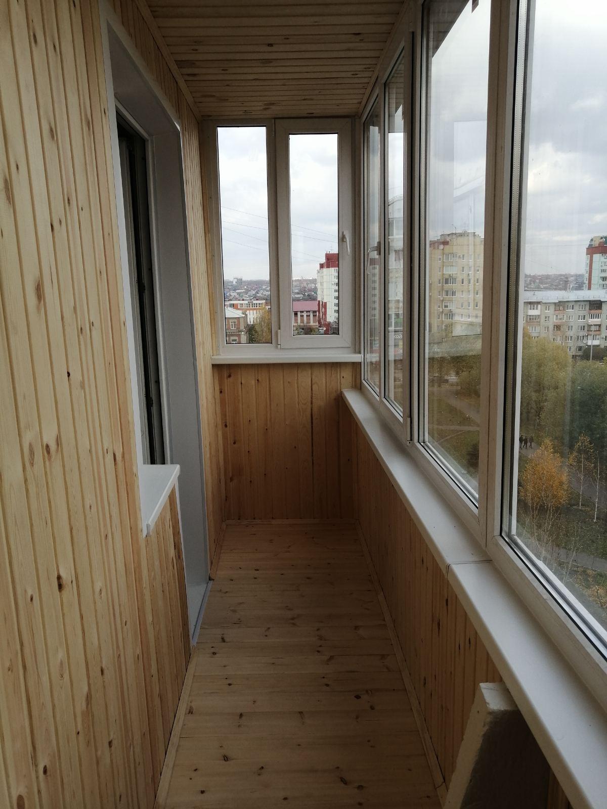 отделка балконов в омске
